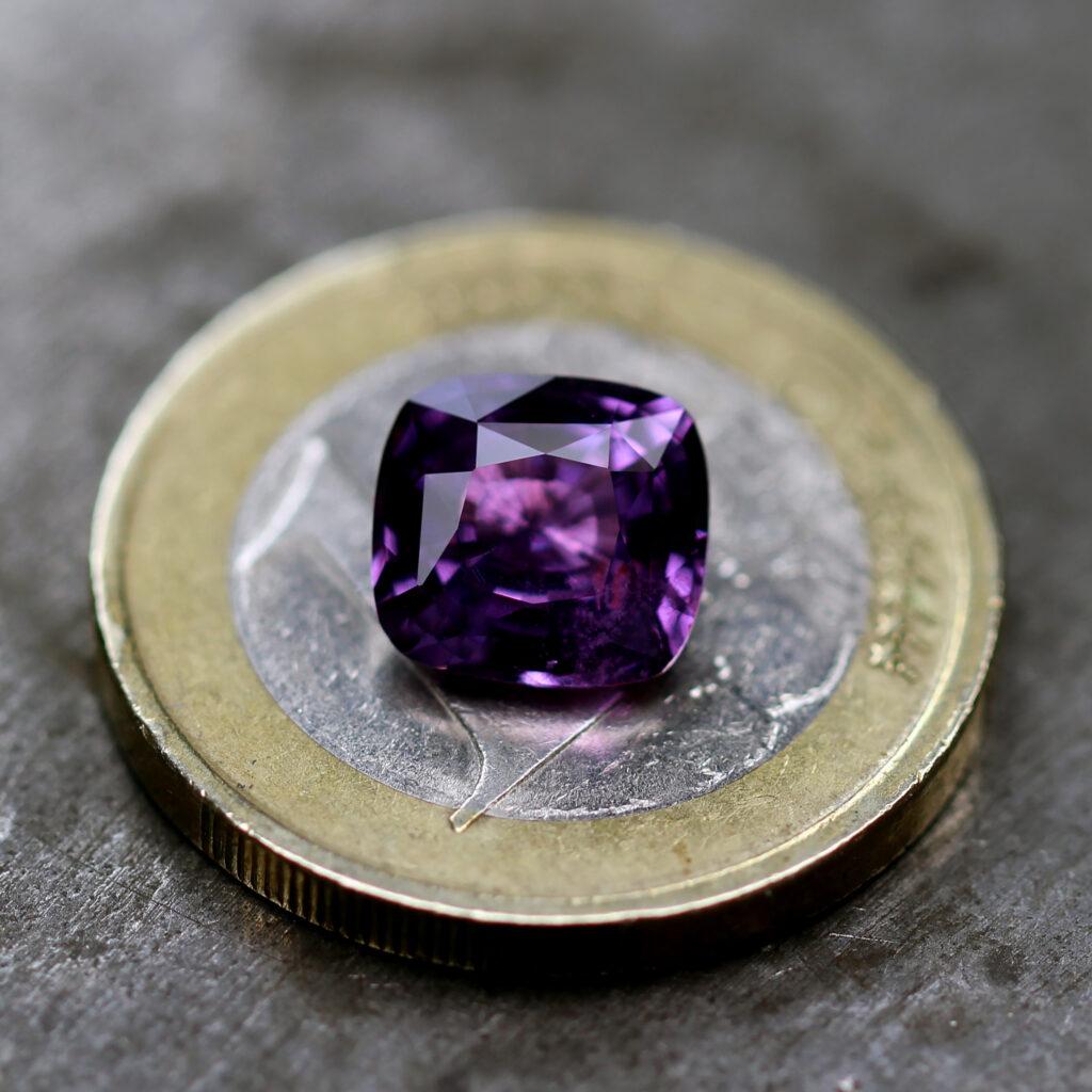 ronan campbelll rare colour change sapphire gemstone designyard contemporary jewellery gallery dublin ireland